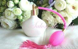 画像1: ☆ピンク かわいい三角型香水瓶★ポーセラーツ白磁 パヒュームボトル